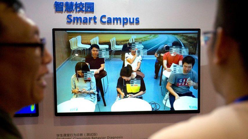 Escola chinesa usa reconhecimento facial para monitorar a atenção dos alunos em sala de aula