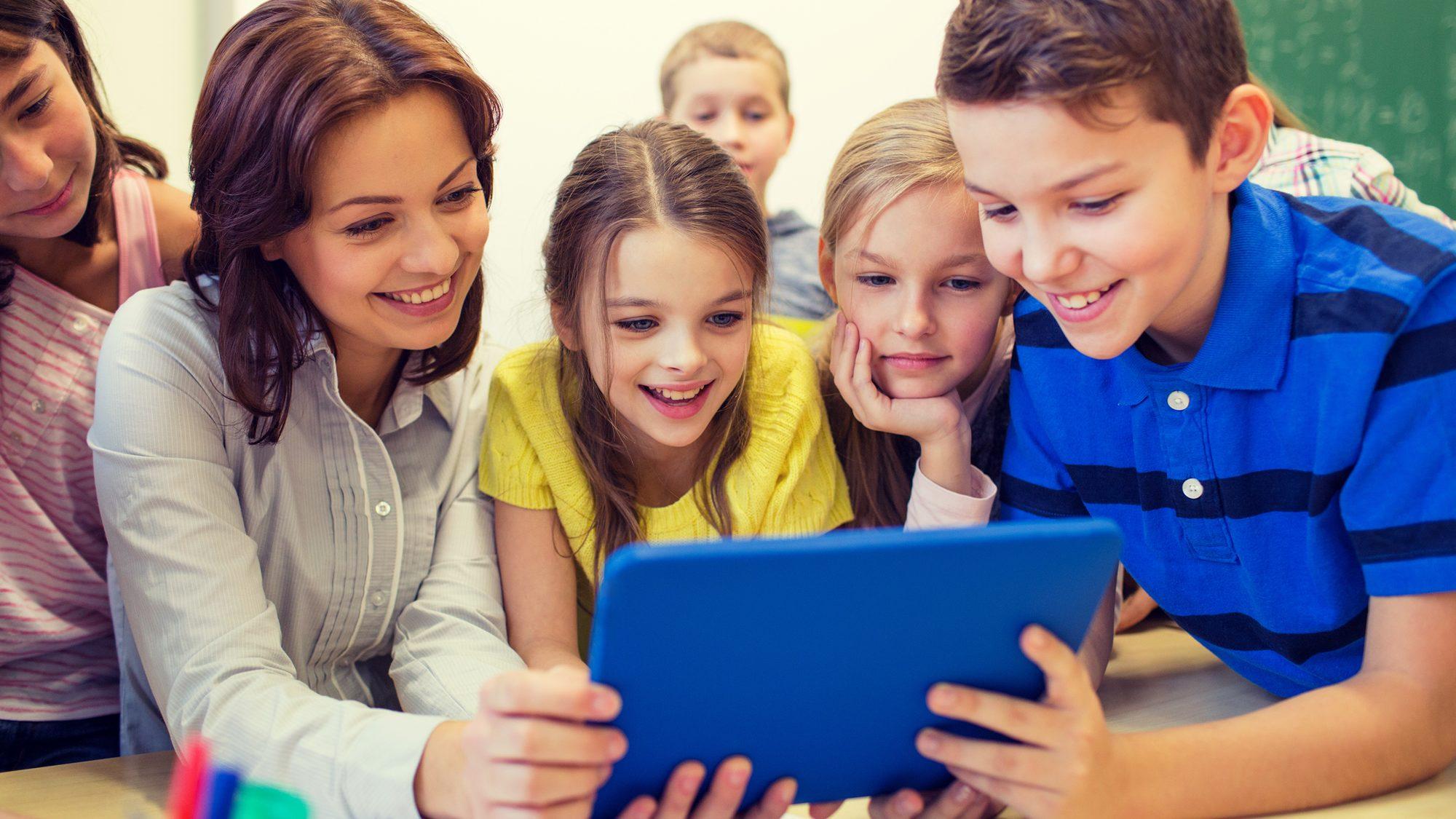 Como empresas de tecnologia estão transformando o papel do professor na educação