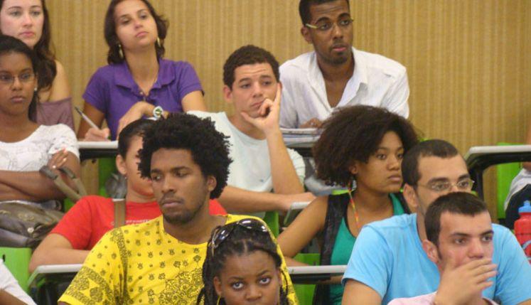 Maioria dos alunos das Universidades Federais do Brasil é negra e de baixa renda