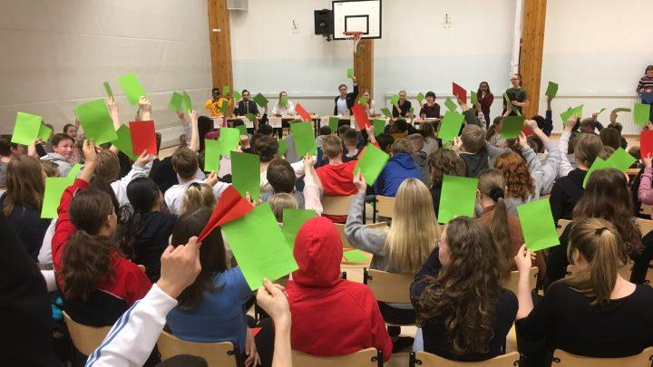Como a Finlândia inicia sua luta contra fake news nas escolas primárias