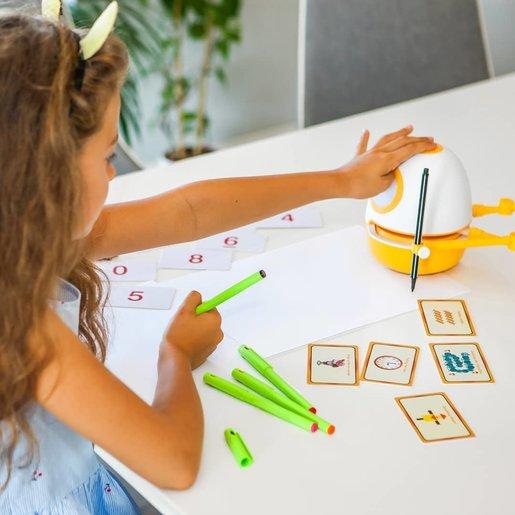 Robô 'WeDraw' ensina como a desenhar por meio de aulas passo-a-passo